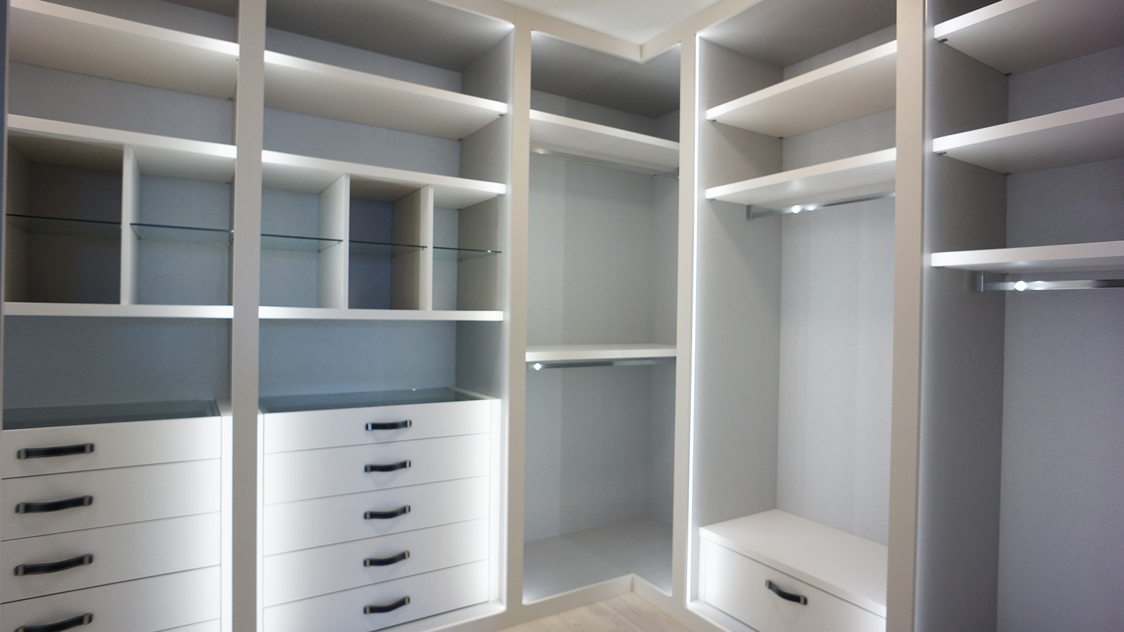 Custom designed closet in Miami South Florida
